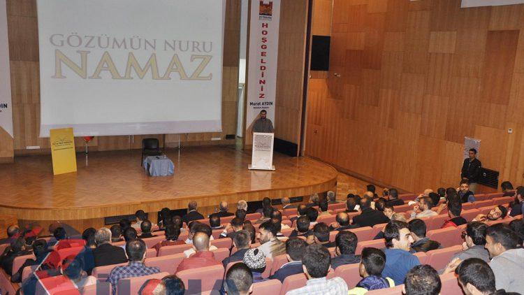 İstanbul'da 'Gözümün Nuru Namaz' etkinliği